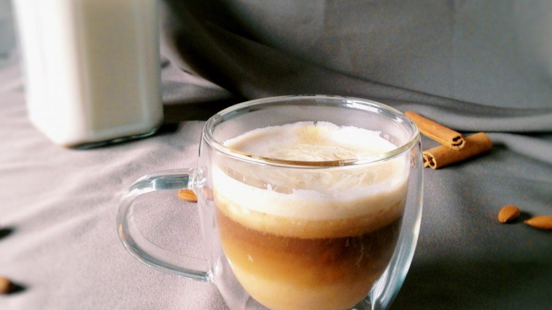 Café Macchiato Healthy (+ Recette Lait d'amande et Crème de coco)